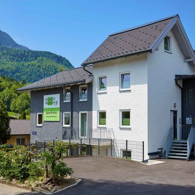 GOOD ROOMS BAD ISCHL